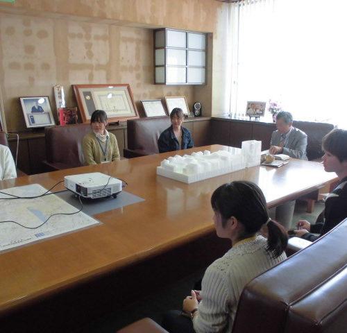 宮崎大学地域学部の学生が企業訪問に来ました!(H29.11.10)