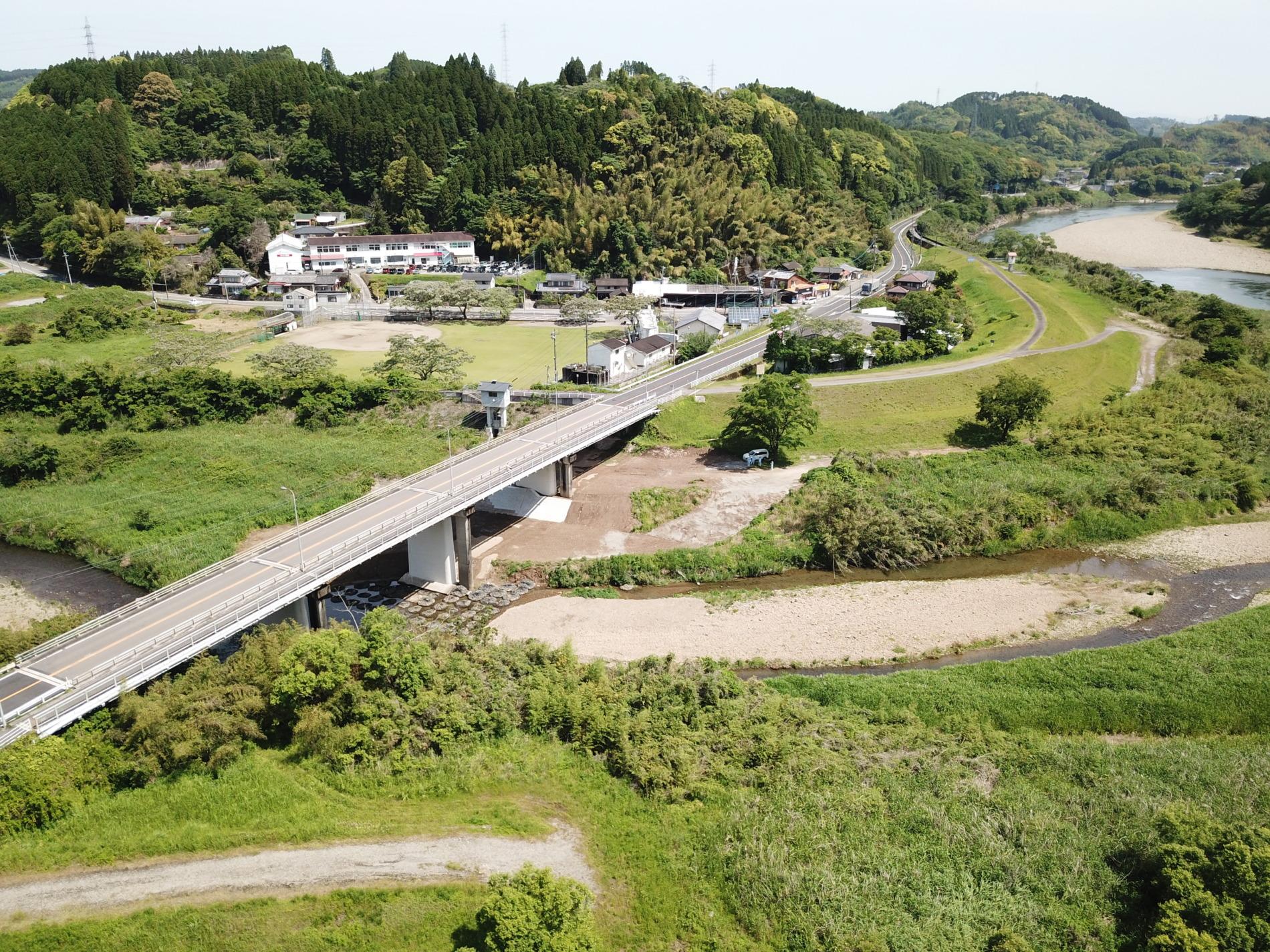 令和2年度川口橋耐震補強・補修外工事施工例